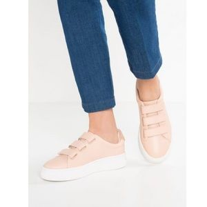 Sandro Anita leather sneakers size 38 (US 7.5 - 8)